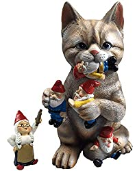 cat and garden gnomes statue
